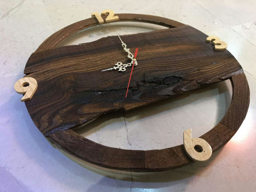 تصویر ساعت دیواری با چوب طبیعی ۴۰*۴۰